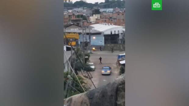 В перестрелке полиции с наркоторговцами погибли 25 человек