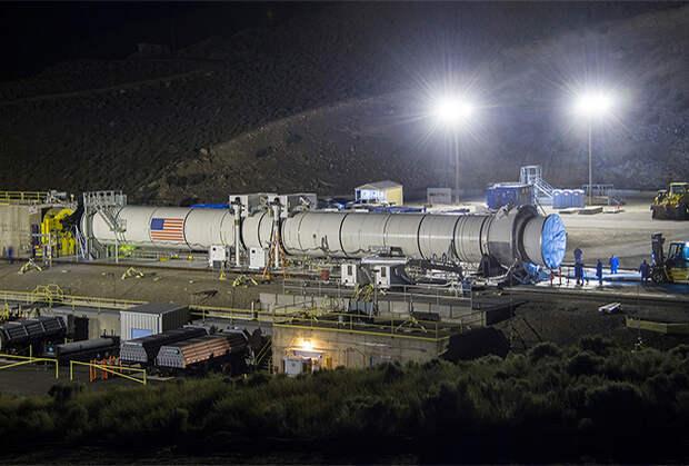 США хотят вернуться на Луну. Что им мешает?