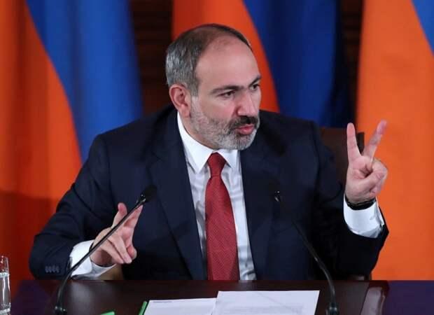 Выбирая между Россией и Западом Пашинян теряет Нагорный Карабах