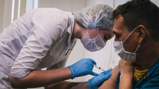 Больше 25 тыс жителей Ростовской области полностью прошли вакцинацию от коронавируса