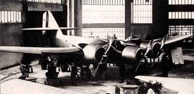 Тяжелый бомбардировщик Piaggio P.16