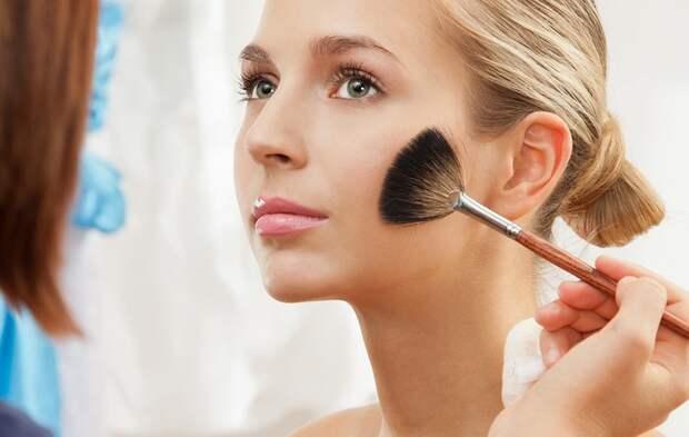 Бьюти-тенденции в повседневном макияже летом 2019