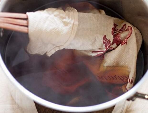Неочевидные способы использования чая в быту: от закрашивания седины до изменения цвета белья