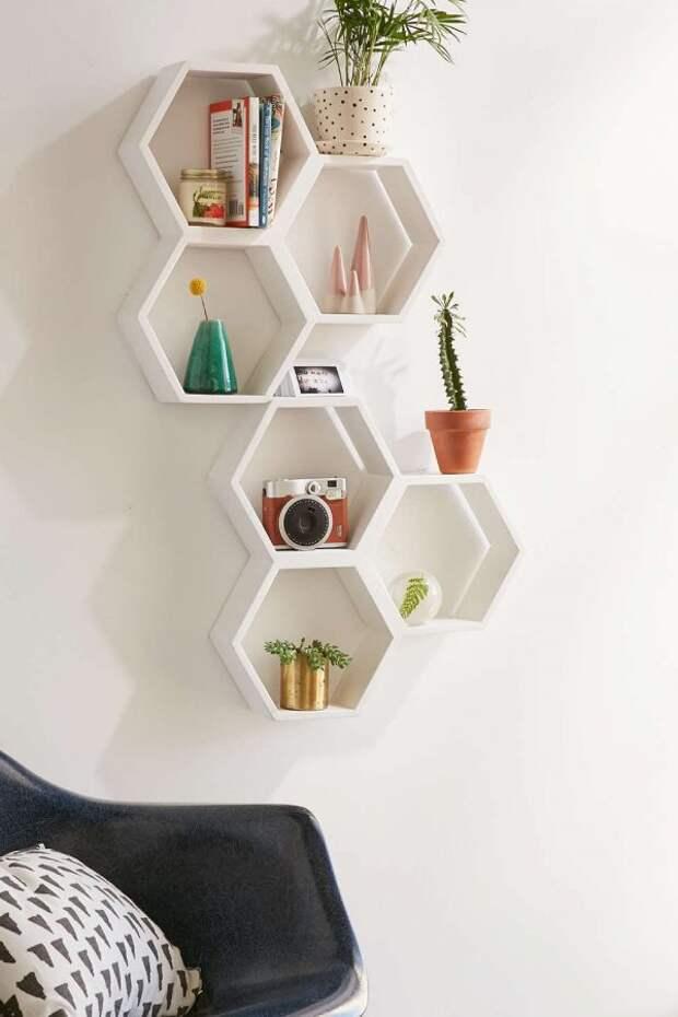 Уникальные полки, благодаря которым комната будет выглядеть стильно