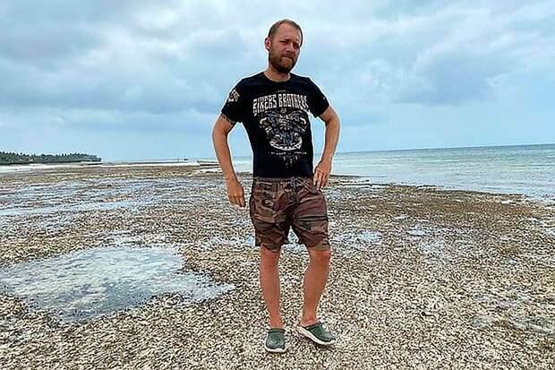 Денис Шведов раскрыл закулисные ужасы проекта «Последний герой»: «Песчаная блоха, жара, жрать нечего, туалета нет»
