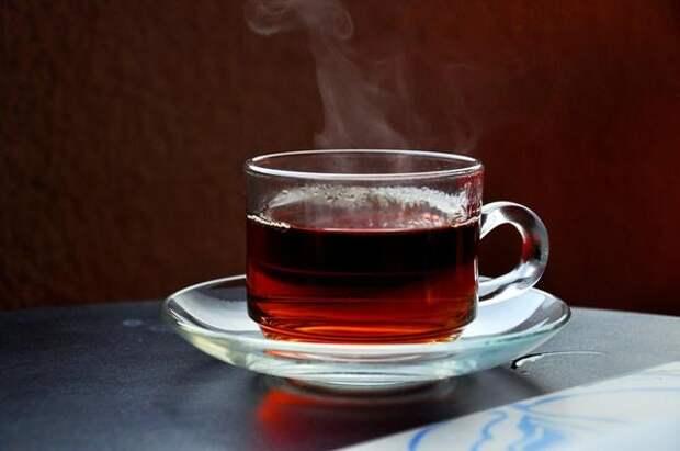 Крепкий чай согреет и восполнит потерю жидкости