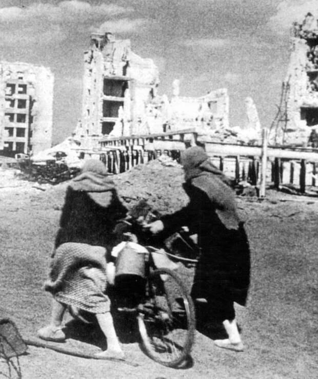 Женщины Сталинграда.