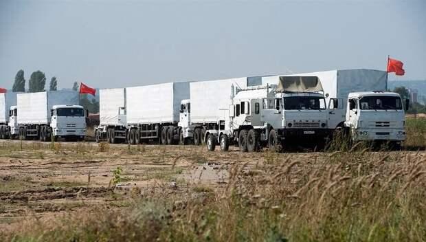 Второй гуманитарный конвой застрял на границе Украины