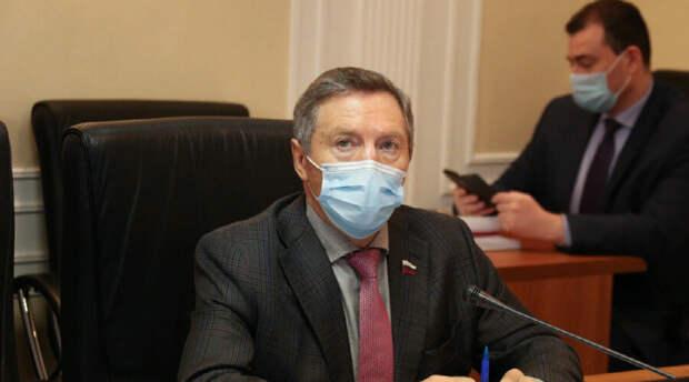 «Единая Россия» открестилась от ездившего пьяным за рулем члена Совфеда и выдвинула требование
