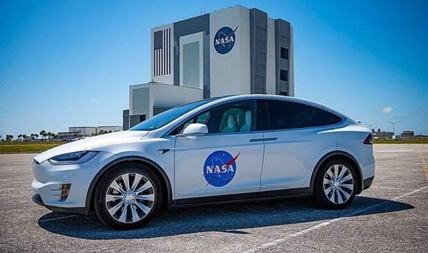 Глава NASA заявил о необходимости следить за планами России и Китая на Луну