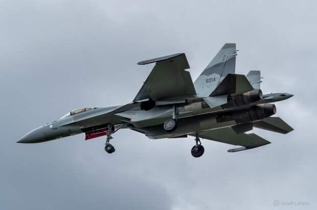 """Построенный для ВВС Египта истребитель Су-35 (бортовой номер """"9210"""")"""