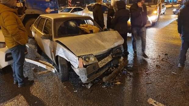 Четыре автомобиля разбросало по Алтуфьевке после столкновения