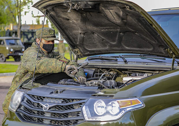 Российские военнослужащие в Приднестровье перевели технику ремонтной роты на летний режим эксплуатации