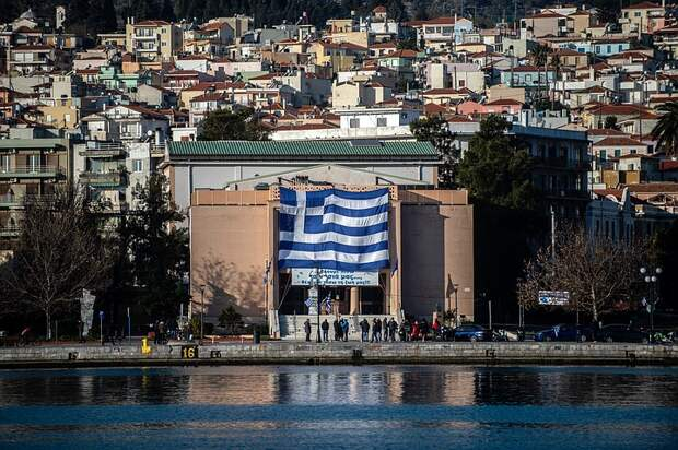 Греция разрешила въезд россиянам в страну