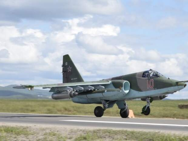 Автомагистрали приспособят для посадки боевых самолетов