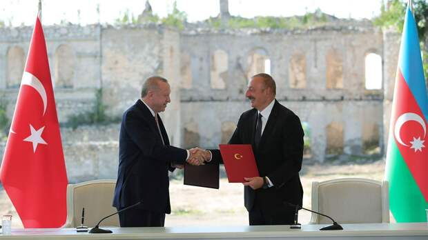 Шушинская декларация: о чем договорились Азербайджан и Турция в новом союзном документе