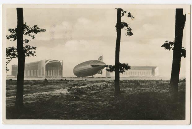 Гражданский цеппелин Graf Zeppelin (LZ-127) государственного предприятия Deutsche Zeppelin Reederei. Немецкая открытка 1939 года