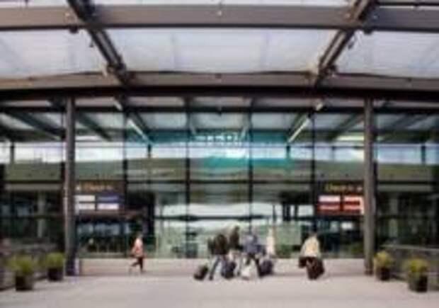 Работа аэропорта в Лондоне нарушена из-за сумки