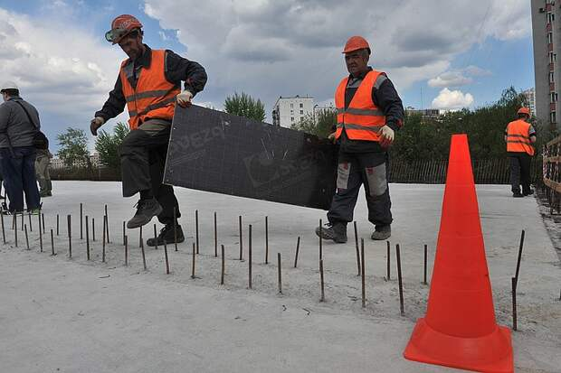 Заместитель мэра Москвы Владимир Ефимов: «Под строительство новых транспортных объектов город выделил 70 гектаров земли»