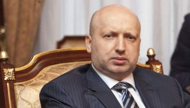 Турчинов рассказал о нищете и хроническом алкоголизме россиян