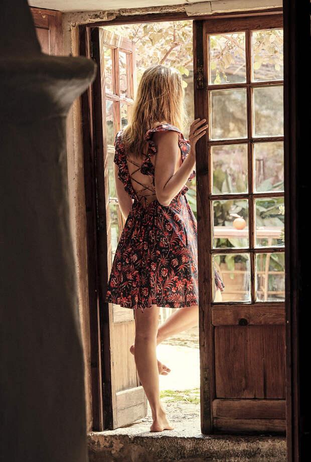Личное дело: София Санчес де Бетак — о летних маст-хэвах, коллекции викторианских украшений и любимой бабушке