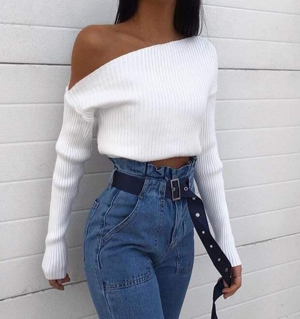 Укороченные свитера: стильные образы на весну 2021