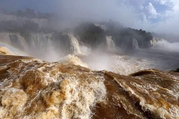 Iguazu 8 Захватывающие дух водопады Игуасу