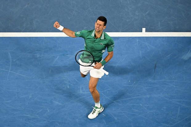 Джокович переиграл Циципаса и вышел в полуфинал турнира в Риме