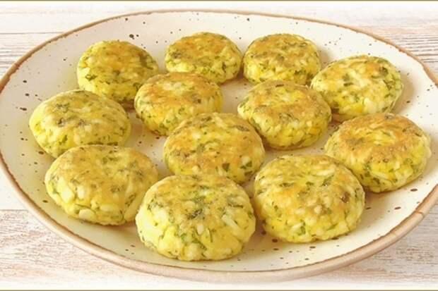 Фото к рецепту: Нежные яичные котлетки - рецепт, особенно актуальный в пасху