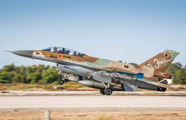 Авиация Израиля ударила по позициям ХАМАС в секторе Газа