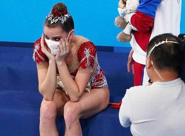 Тренер Линой Ашрам обвинила российских коллег в том, что они не могут достойно проигрывать. Но ведь достойно выигрывать тоже надо уметь