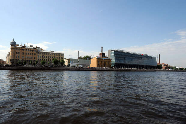 DSC 49921 Нефасадный Петербург: вид с воды