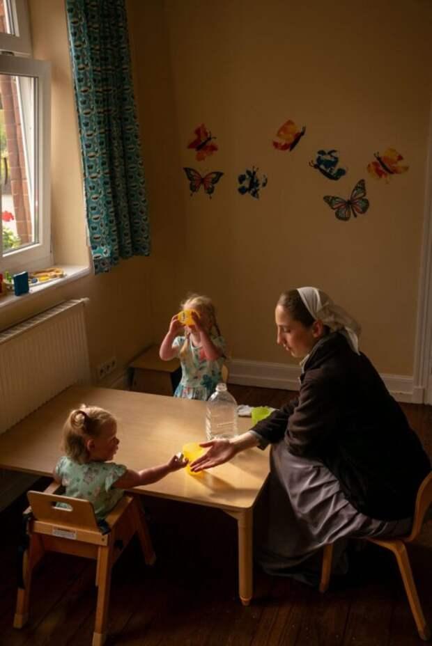 Брудерхоф: как живут христианские коммуны, где отказались оттехнологий