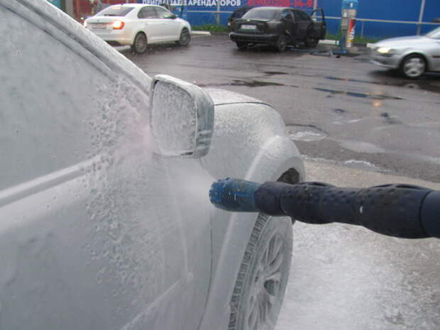 Может ли мойка навредить кузову автомобиля?