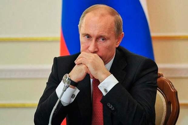 Рейтинг Путина с 2000 года не снижался ниже 45%, теперь он составляет 32,8%