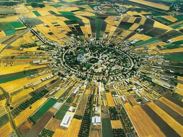 Круглые города: Нахалаль (Nahalal)