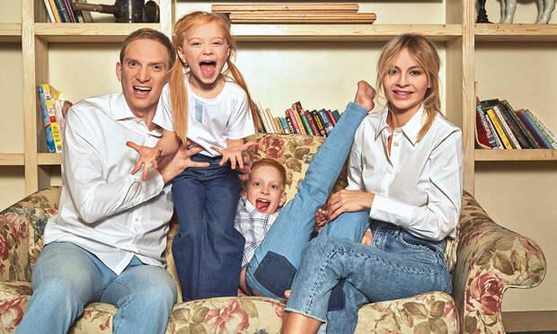 «Я тяжелый человек»: Андрей Бурковский о семейной жизни