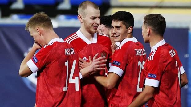 Молодежка разгромила Исландию в первом матче Евро. У 17-летнего Захаряна гол + пенальти, у Макарова - супермяч