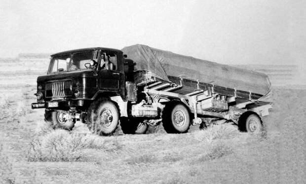Активный автопоезд с тягачом ГАЗ-66К и бортовым полуприцепом на испытаниях в Средней Азии авто, автопоезд