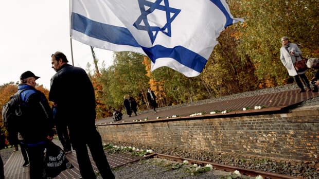 """Израиль, """"брысь под лавку… дай дяди разберутся"""": Россия подставляет спину """"злой болонке"""" США – Баранец"""