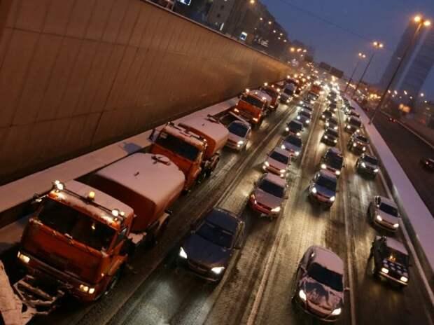 В Москве в часы-пик на вылетных магистралях будет действовать «зеленая волна»