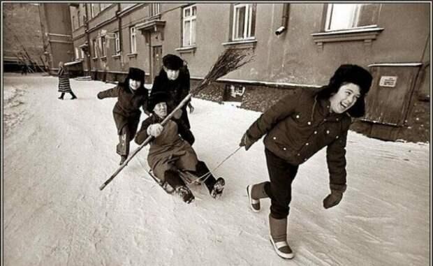 Дворники тоже бывают веселыми. СССР, история, фото