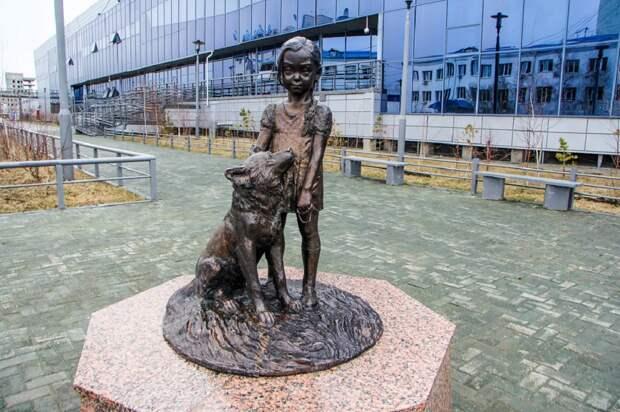 Трогающие душу истории детей, которым поставили прижизненные памятники