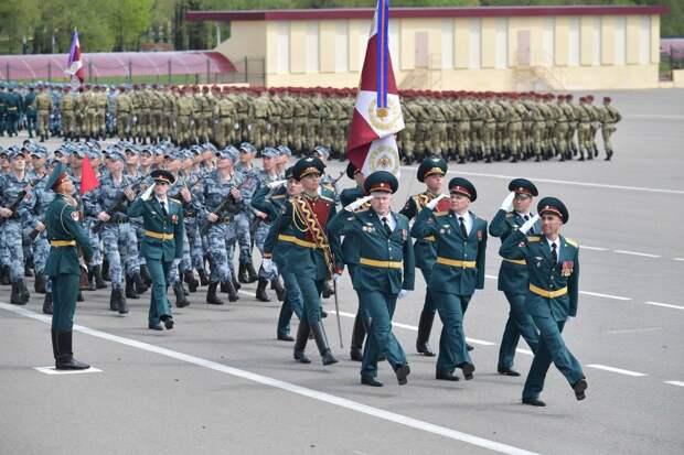 Четвертый полк дивизии Дзержинского в Балашихе отметил столетие. Ему вручили орден Кутузова