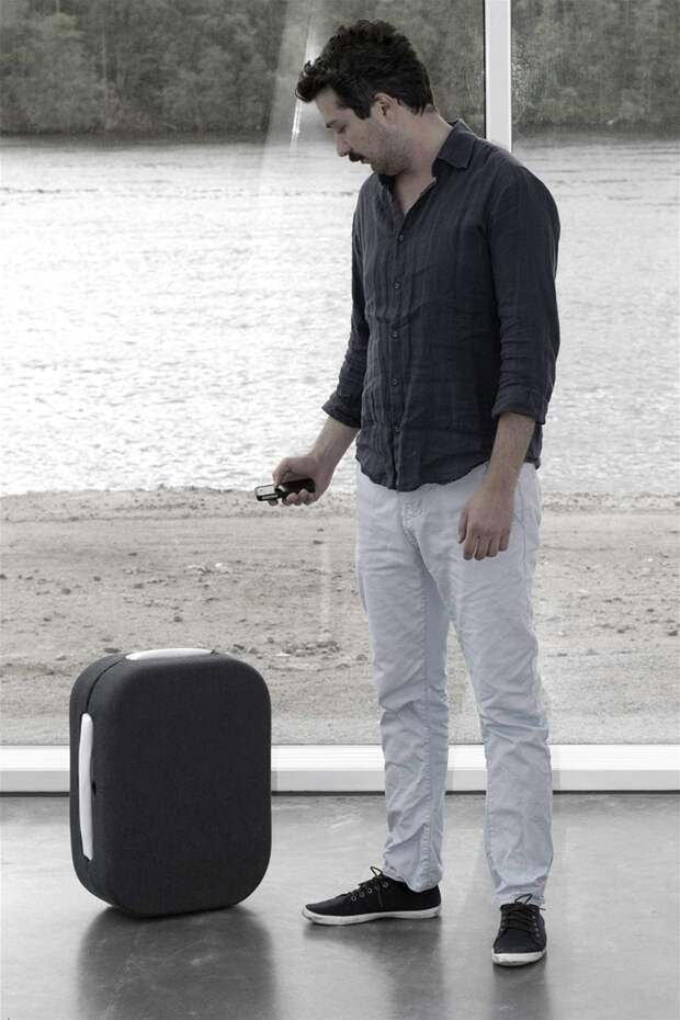 15. Робот-чемодан аэропорт, багаж, путешественники, фото, юмор