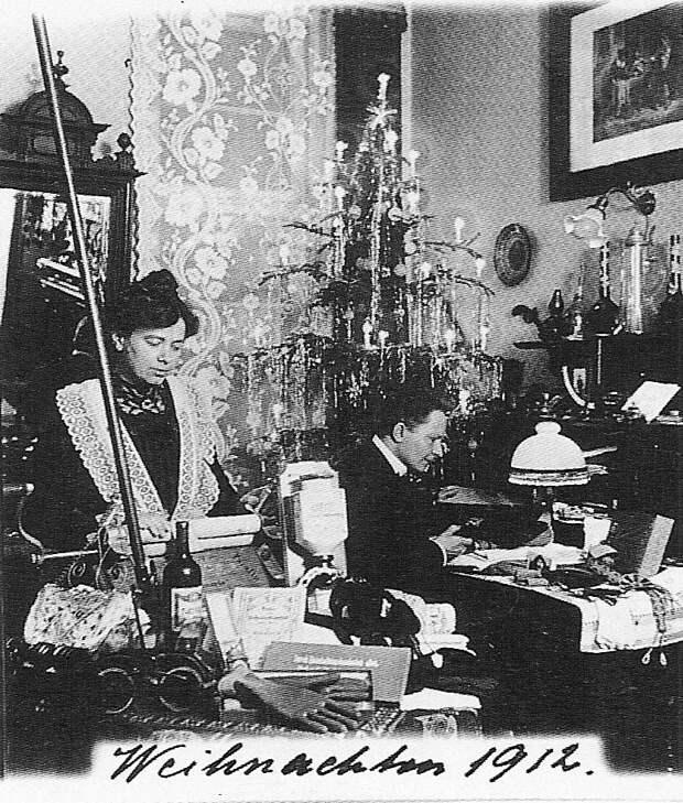 История семьи, которая фотографировалась на каждое Рождество с 1900 по 1942 год