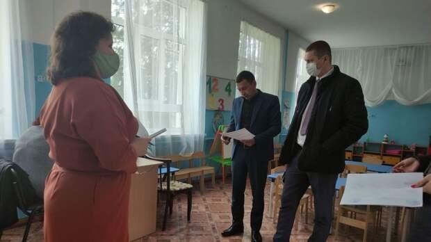 """Рустем Халитов с рабочим визитом посетил МБОУ """"Ивановская средняя школа"""""""