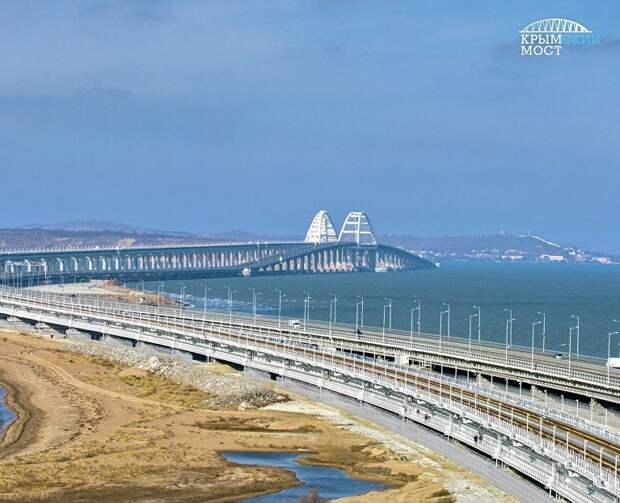 Самый длинный, стойкий, поэтичный: ТОП фактов про Крымский мост
