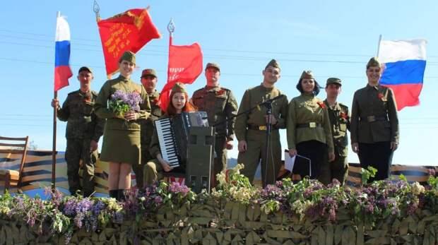 В Ленинском районе «Фронтовая бригада» поздравила ветеранов с наступающим Днем Победы