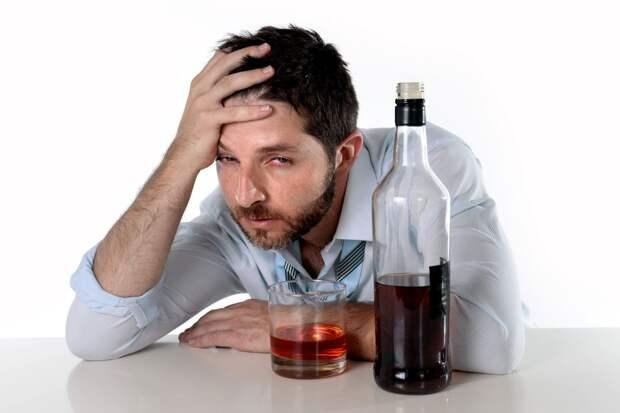 Алкоголика можно узнать по определенным признакам на лице